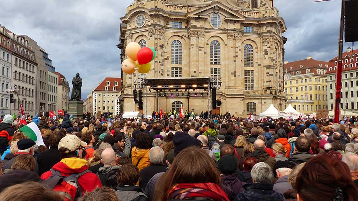 Dresden-Kundgebung_für_Weltoffenheit_am_10._Januar_2015-28