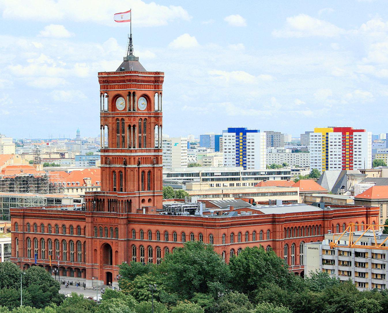 Rotes_Rathaus_Berlin_klein