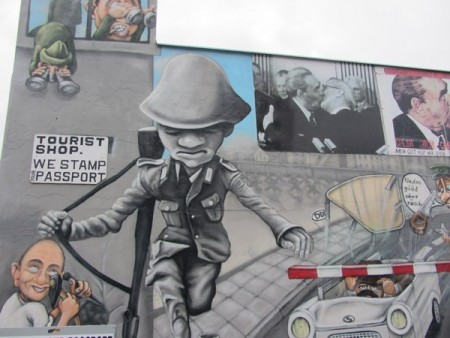 murales-on-east-side-gallery