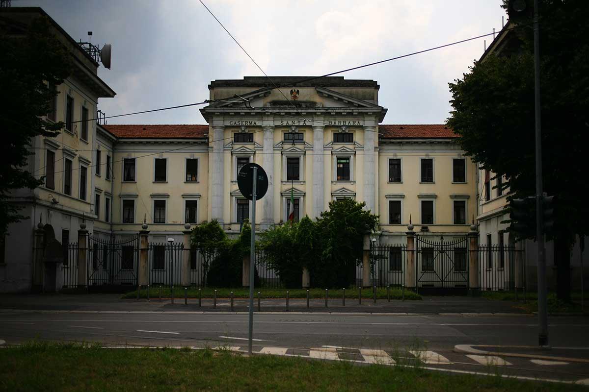 Caserma_Santa_Barbara_Baggio_Milano