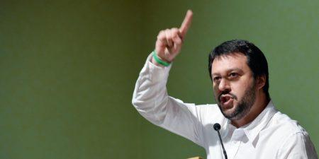 """Il segretario della Lega Nord Matteo Salvini durante il convegno """"Basta Euro Tour"""" nella sede dell' ATC, Torino,15 Marzo 2014 ANSA/ TONINO DI MARCO"""