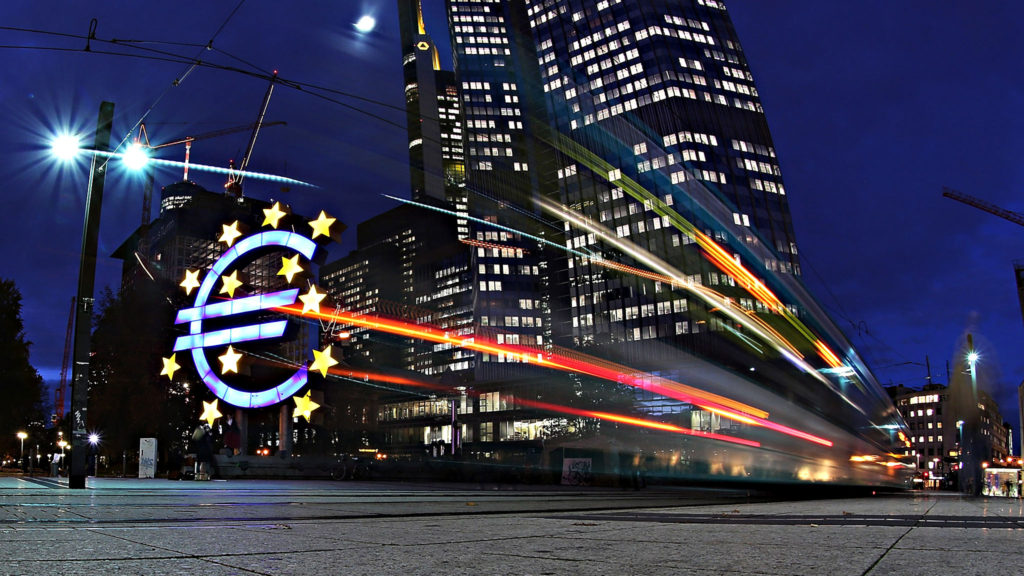 FRANKFURT AM MAIN, GERMANY - NOVEMBER 05: The giant Euro symbol stands illuminated outside the headquarters of the European Central Bank (ECB) on November 5, 2012 in Frankfurt, Germany. Analysts are predicting that ECB President Mario Draghi will announce in a press conference scheduled for November 8 that he will leave ECB interest rates unchanged despite continued weak economic data coming from many Eurozone economies.(Photo by Hannelore Foerster/Getty Images)