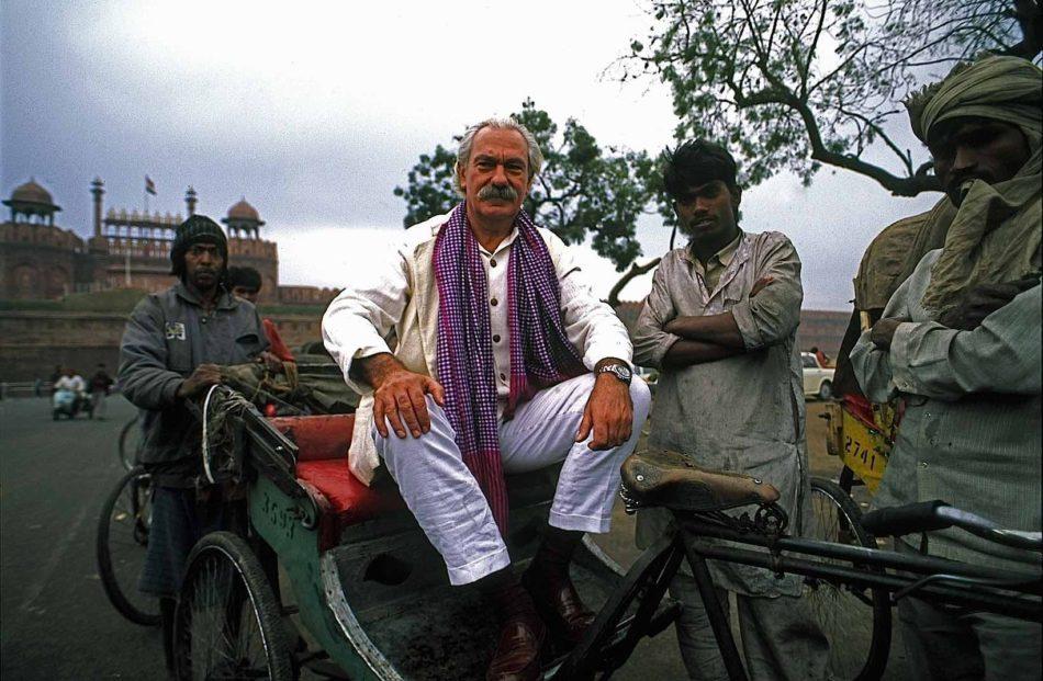 Tiziano-Terzani-su-un-risciò-a-Delhi