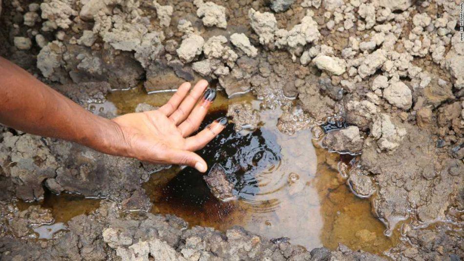 Eni, tra devastazione ambientale e migrazioni climatiche