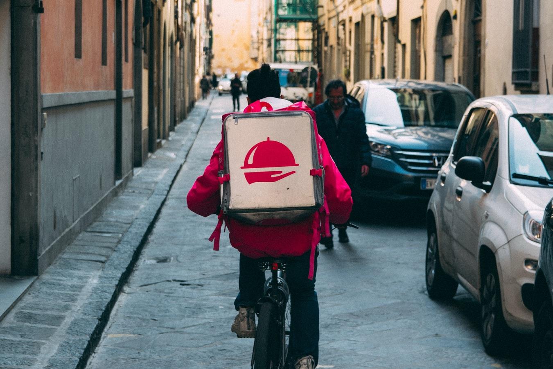 Contratti di lavoro nel food delivery, è tutto in regola?