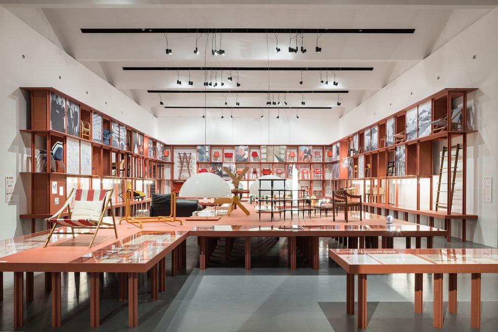 Vico Magistretti, il designer e architetto in mostra alla Triennale