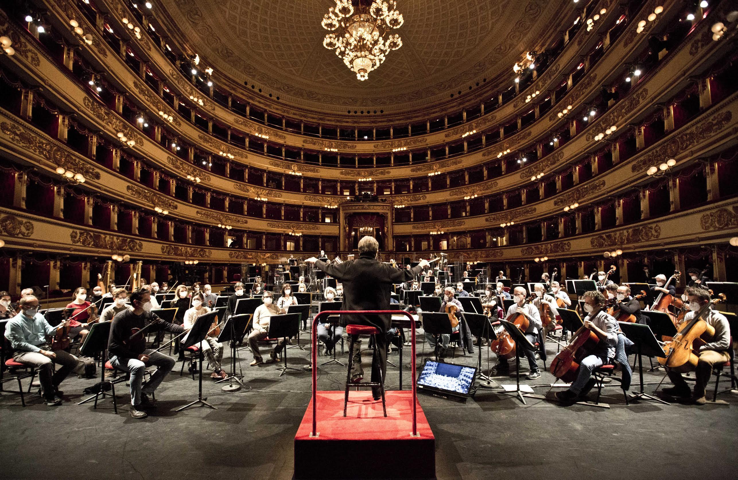 """""""A riveder le stelle"""". La Prima del Teatro alla Scala"""