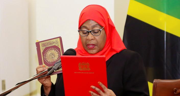 Samia Suluhu Hassan alla guida della Tanzania