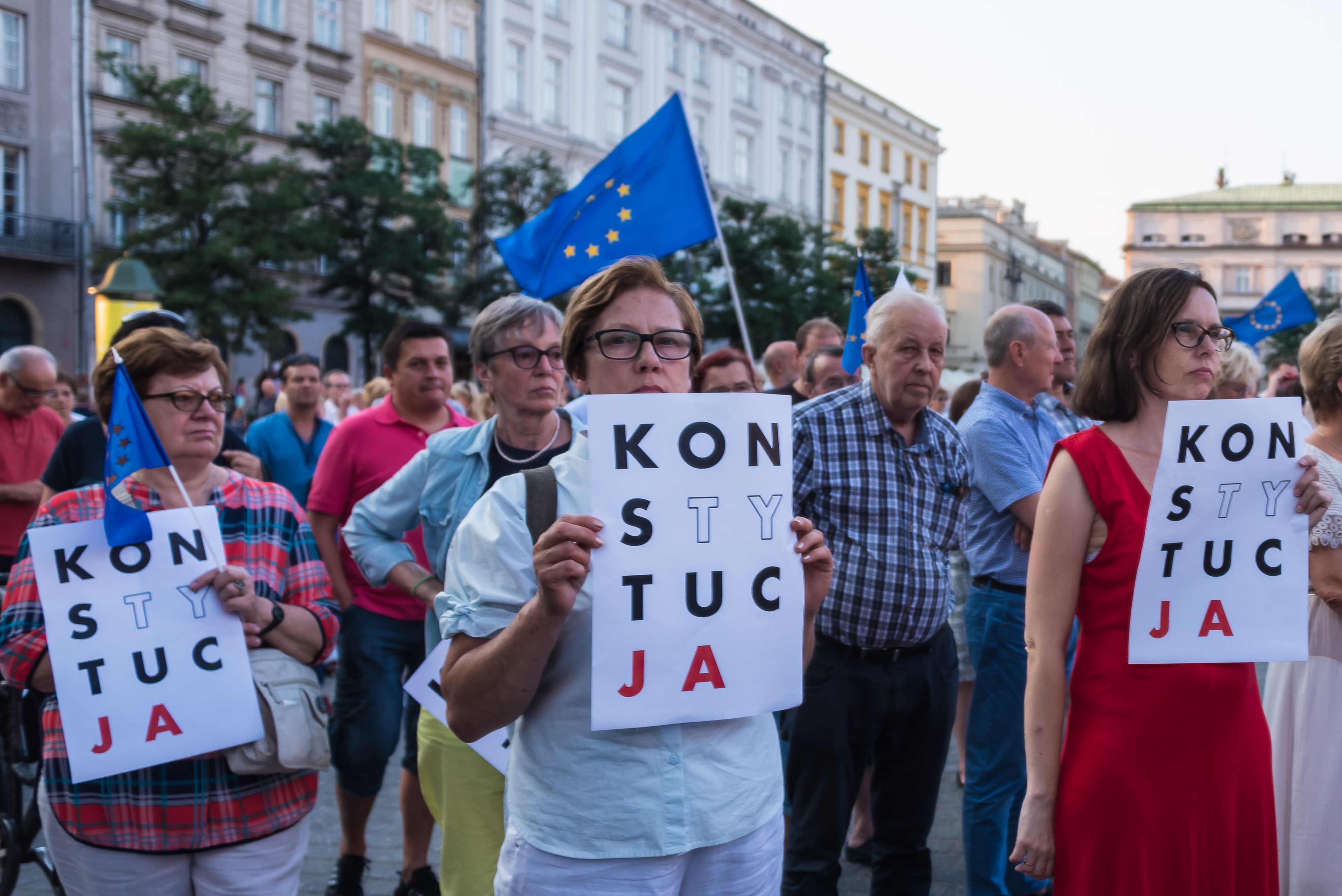 Infuria la battaglia tra Polonia e Unione Europea