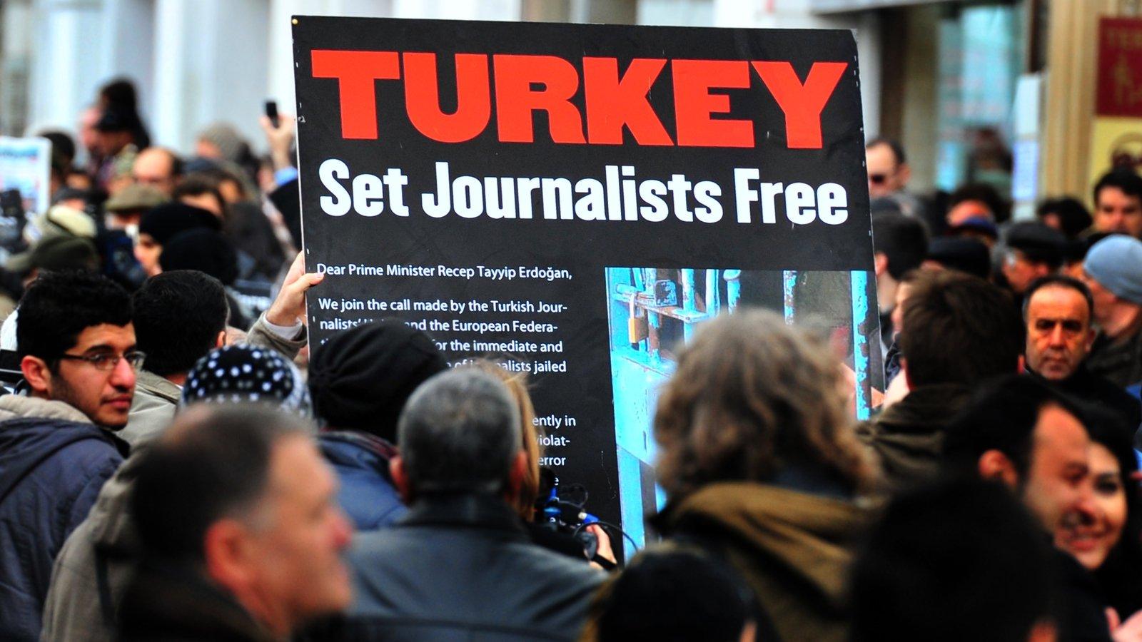 Turchia, la più grande prigione al mondo per giornalisti